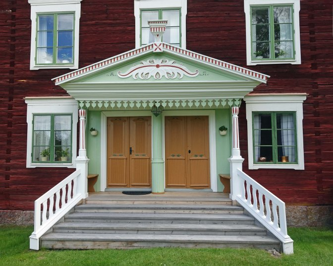 Enter in style – Swedish Porches